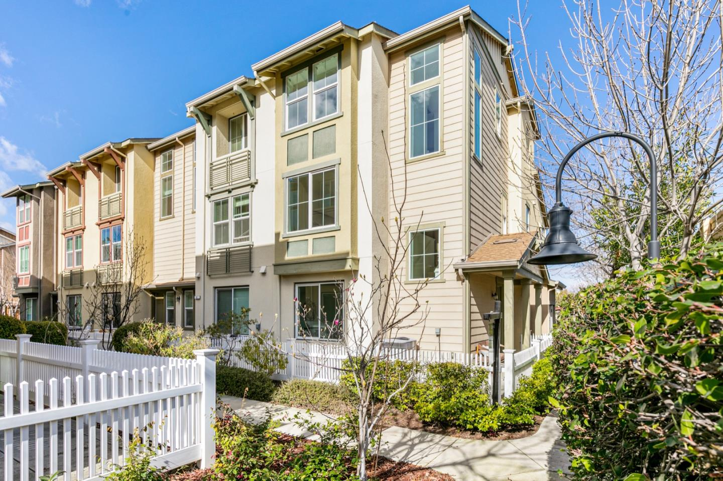 Detail Gallery Image 1 of 1 For 238 Peppermint Tree Ter #5,  Sunnyvale,  CA 94086 - 3 Beds | 3/1 Baths