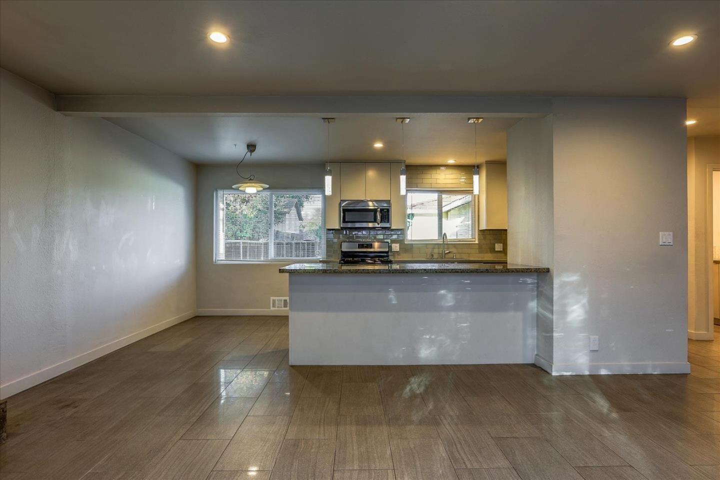 Detail Gallery Image 1 of 1 For 1357 Park Dr #B,  Mountain View,  CA 94040 - 2 Beds   2 Baths