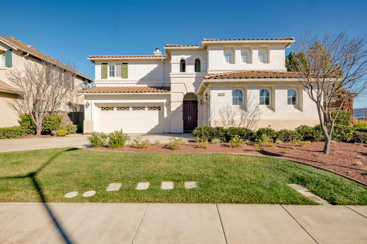 Detail Gallery Image 1 of 1 For 37298 Aleppo Dr, Newark,  CA 94560 - 6 Beds | 3 Baths