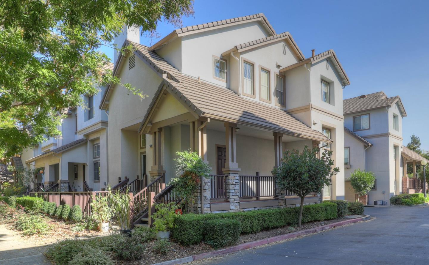 Detail Gallery Image 1 of 1 For 360 Flower Ln, Mountain View,  CA 94043 - 3 Beds | 2/1 Baths