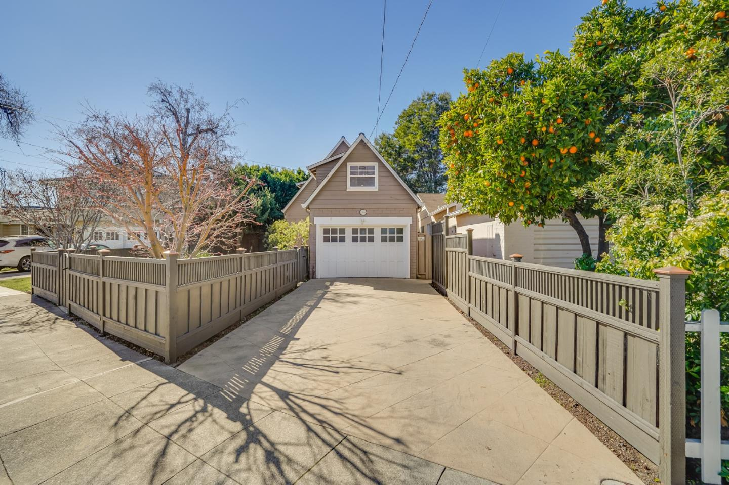 Detail Gallery Image 1 of 1 For 1368 Elm St, San Carlos,  CA 94070 - 2 Beds   1/1 Baths