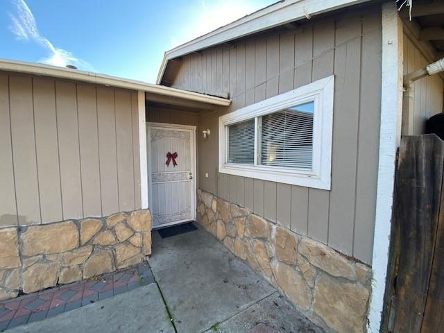 Detail Gallery Image 1 of 4 For 7585 Chestnut St, Gilroy,  CA 95020 - 4 Beds | 2 Baths