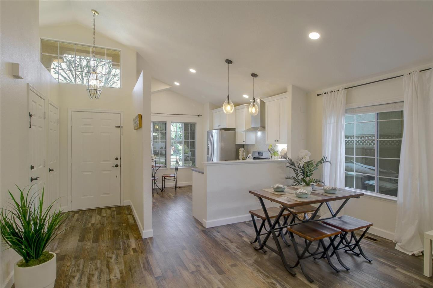 Detail Gallery Image 1 of 1 For 561 Czerny St, Tracy,  CA 95376 - 3 Beds   2 Baths