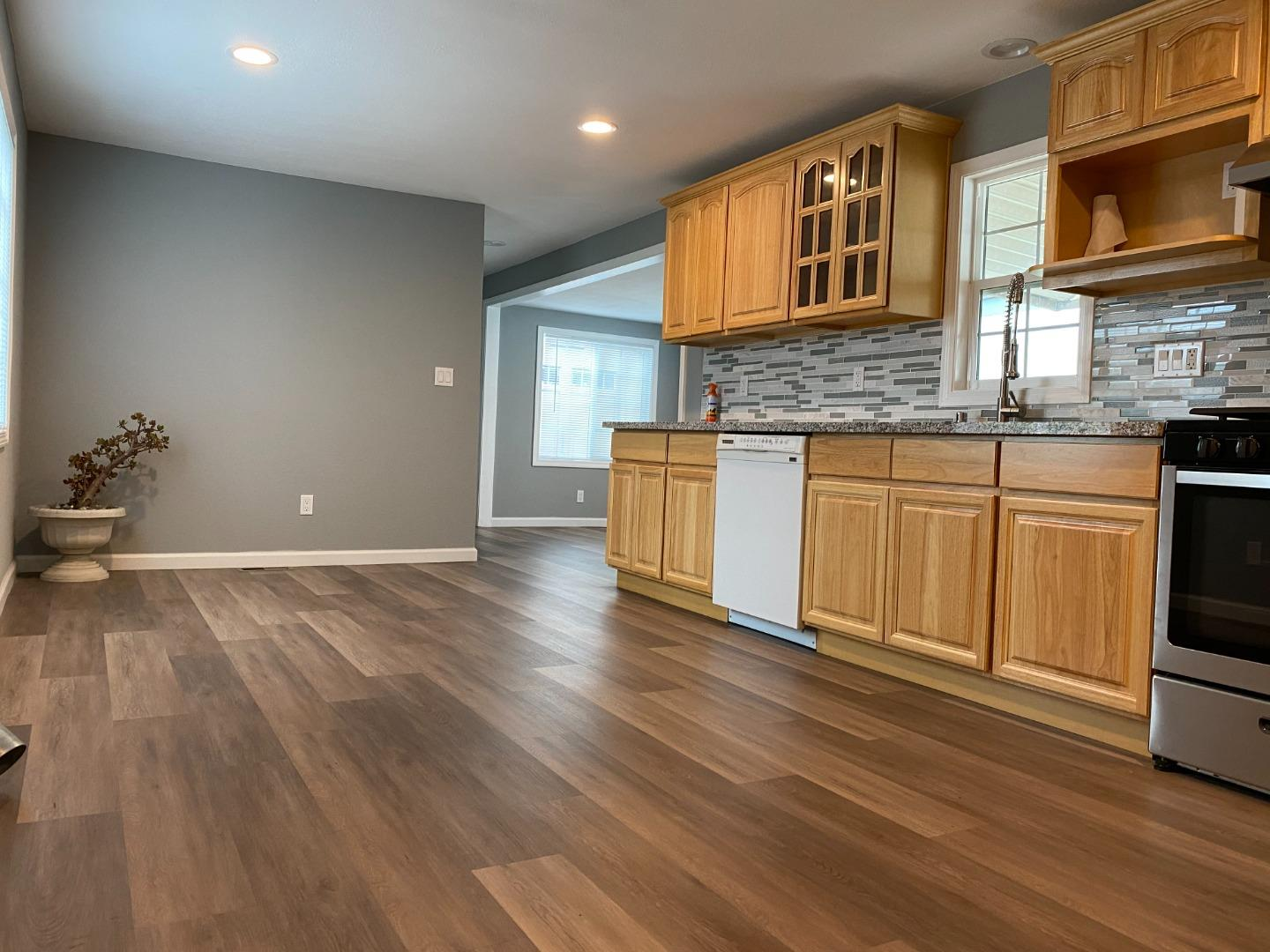 Detail Gallery Image 1 of 47 For 236 Manitoba Green #236,  Fremont,  CA 94538 - 3 Beds | 2 Baths
