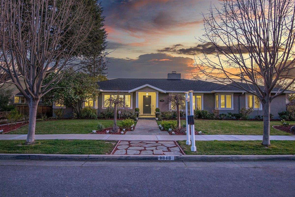 Detail Gallery Image 1 of 1 For 1348 Glen Dell Dr, San Jose,  CA 95125 - 4 Beds | 3 Baths