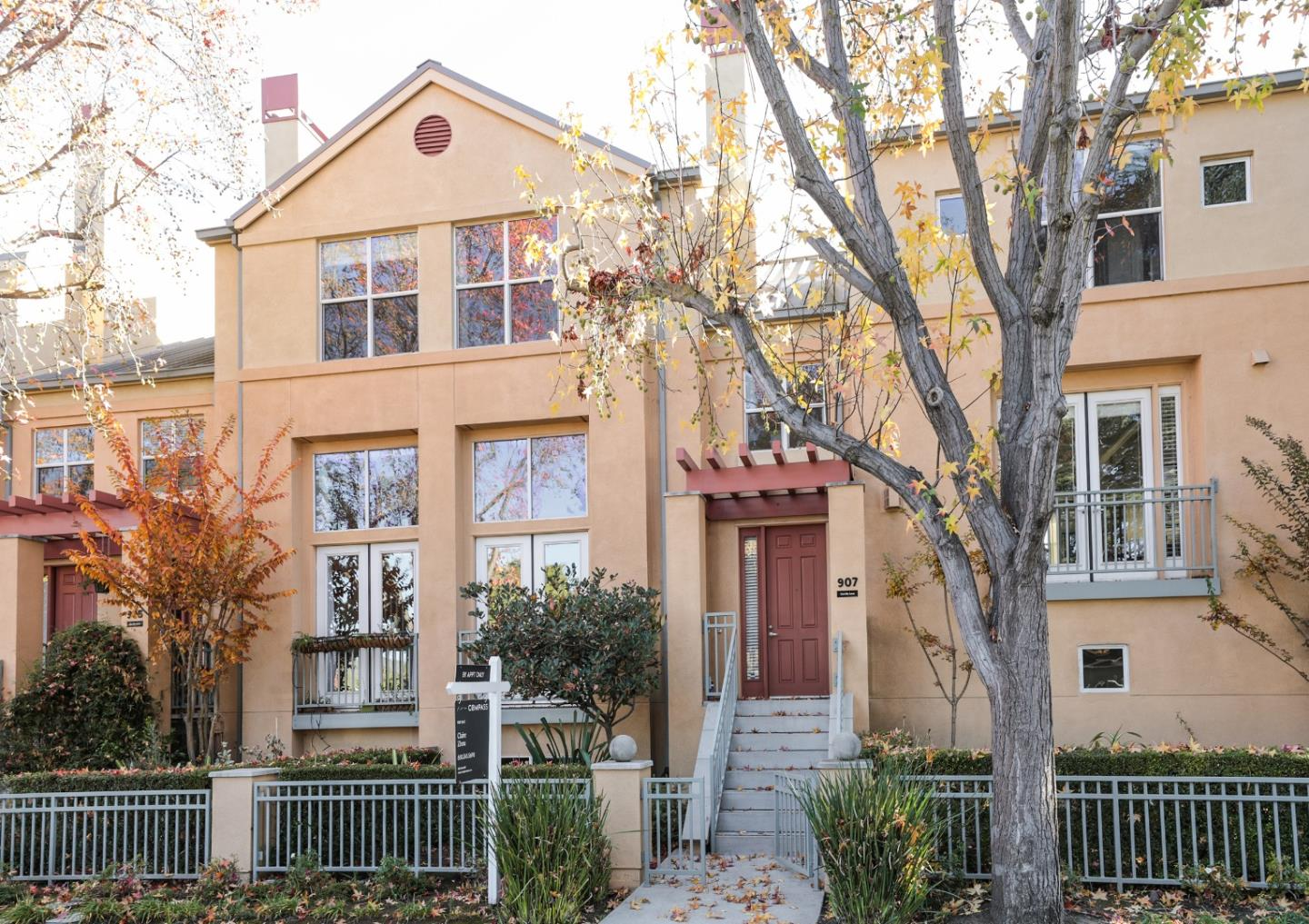 Detail Gallery Image 1 of 1 For 907 Camille Ln, Mountain View,  CA 94040 - 3 Beds   3/1 Baths