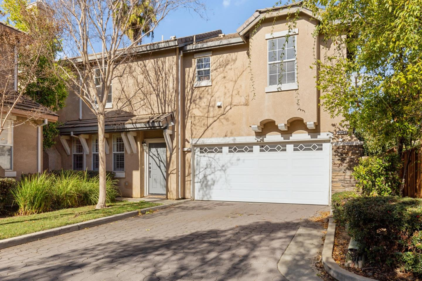 Detail Gallery Image 1 of 32 For 2245 Ironpicket Ct, San Jose,  CA 95116 - 4 Beds | 2/1 Baths