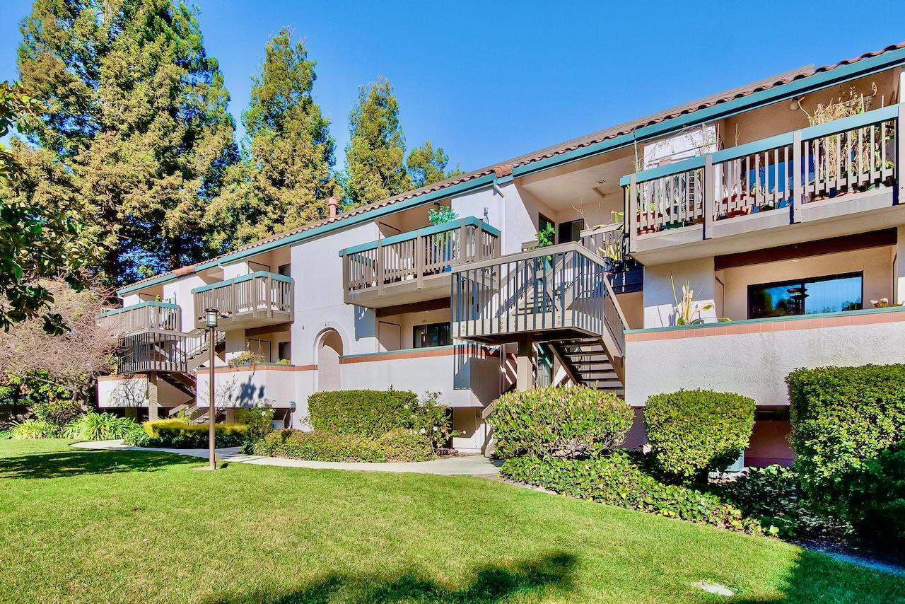 Detail Gallery Image 1 of 38 For 611 San Conrado Ter #UNIT 6,  Sunnyvale,  CA 94085 - 2 Beds | 2 Baths