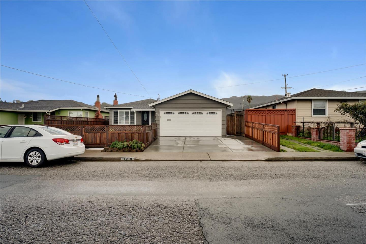 Detail Gallery Image 1 of 1 For 1219 De Solo Dr, Pacifica,  CA 94044 - 3 Beds | 2 Baths