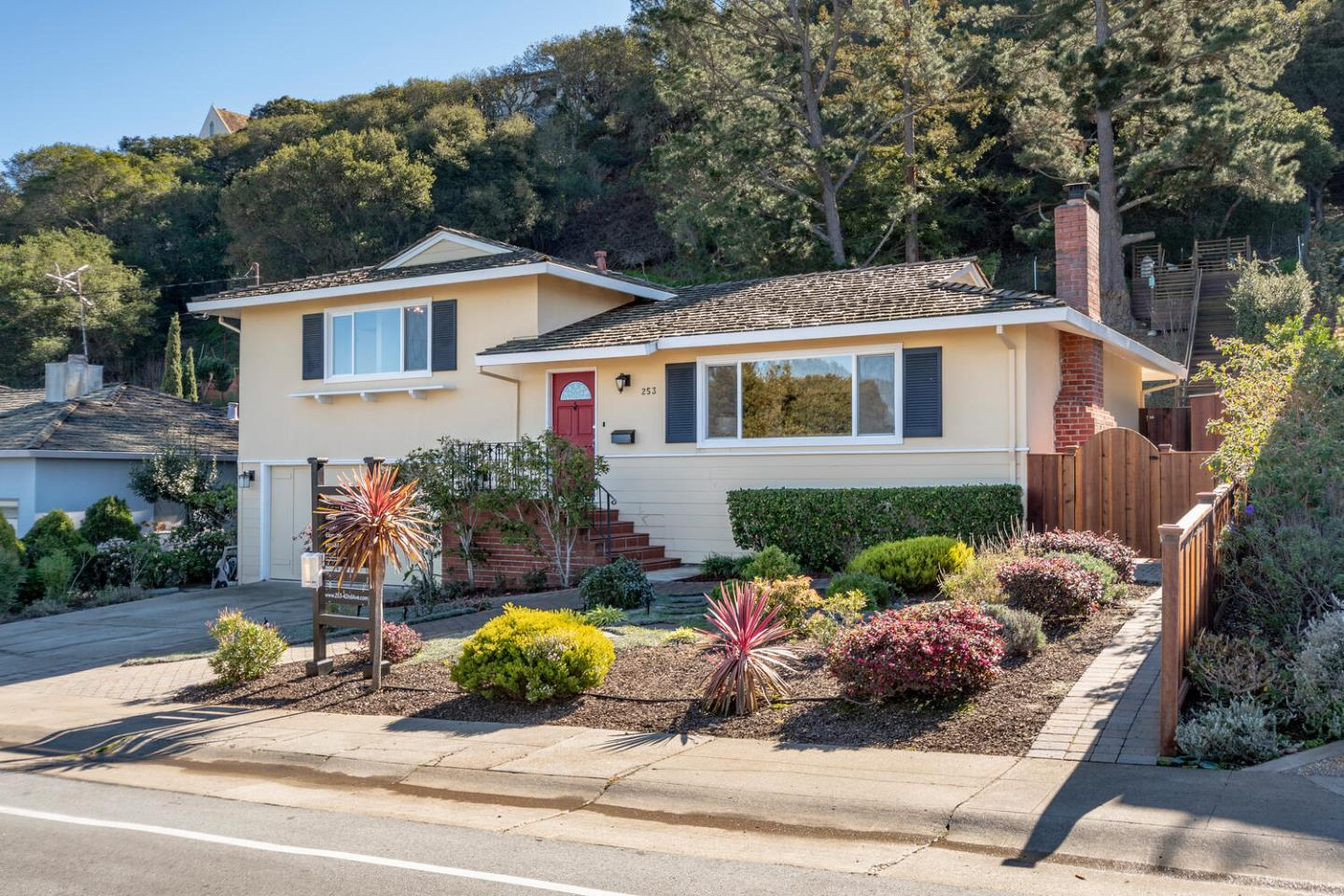 Detail Gallery Image 1 of 1 For 253 42nd Ave, San Mateo,  CA 94403 - 4 Beds | 2/1 Baths