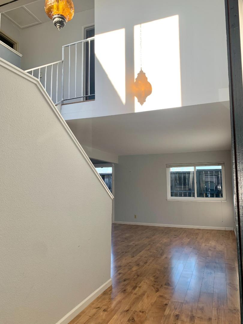 Detail Gallery Image 1 of 1 For 1253 Los Olivos Dr #29,  Salinas,  CA 93901 - 2 Beds | 1/1 Baths
