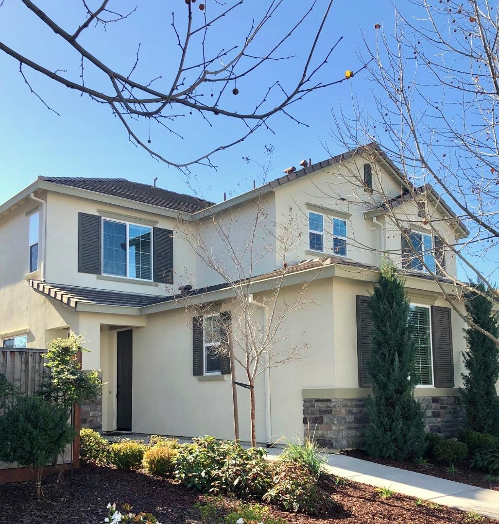 Detail Gallery Image 1 of 1 For 1796 Rosemary Dr, Gilroy,  CA 95020 - 3 Beds | 2/1 Baths