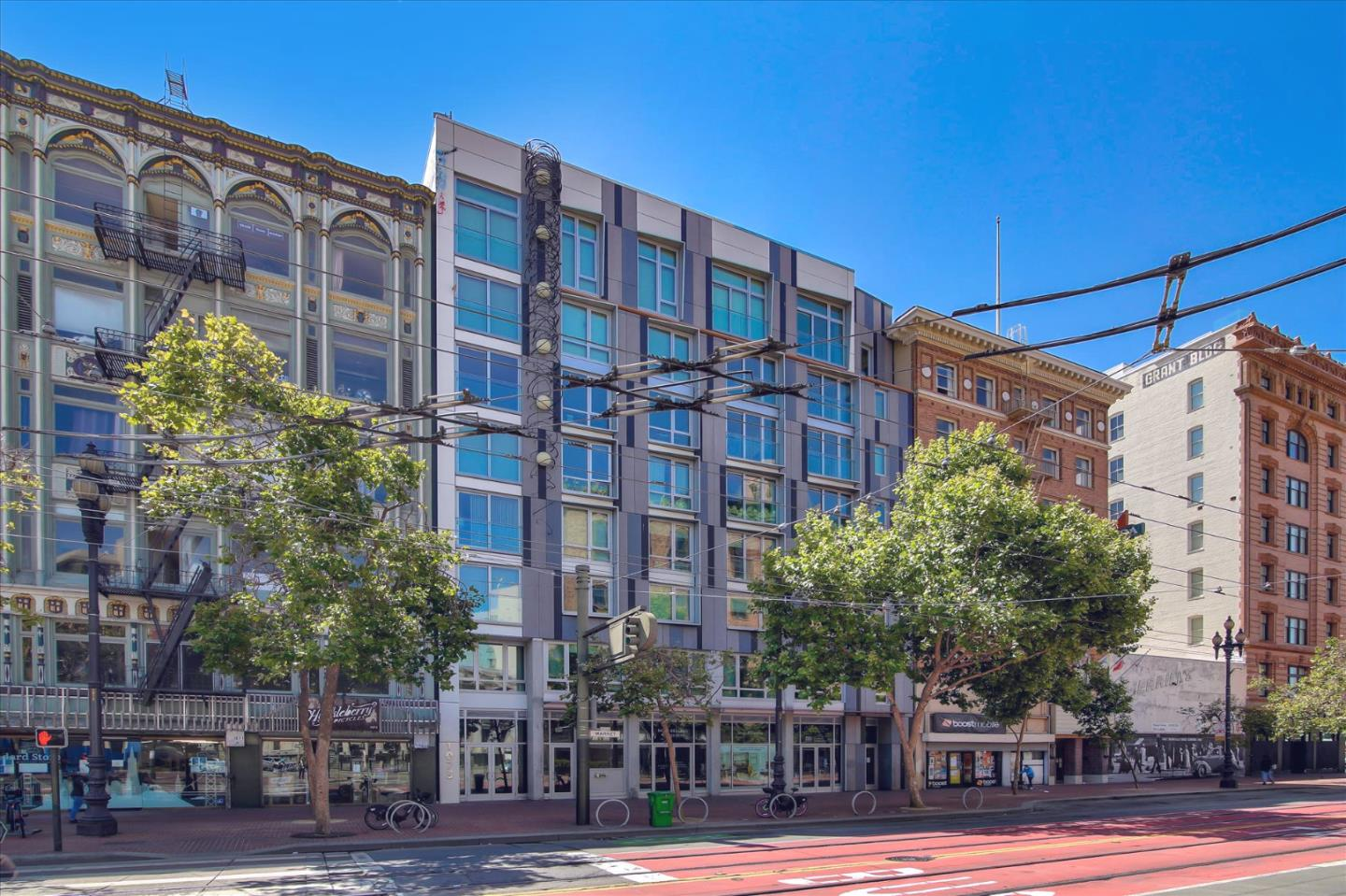 Detail Gallery Image 1 of 31 For 1075 Market St #301,  San Francisco,  CA 94103 - 0 Beds | 1 Baths