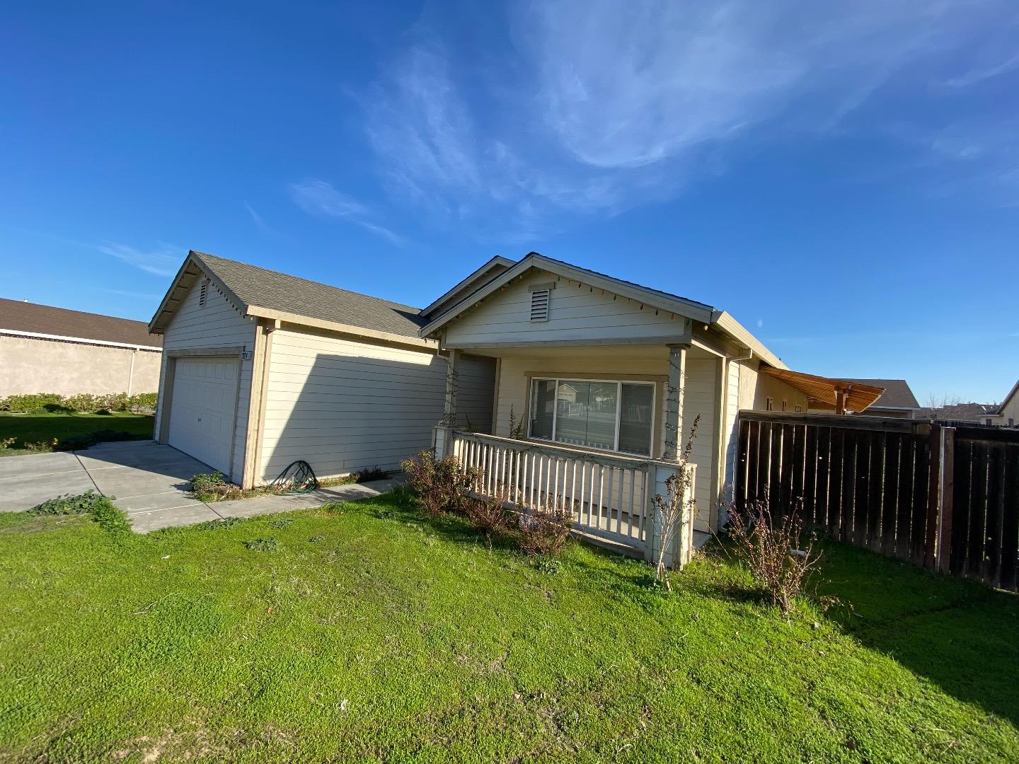 Detail Gallery Image 1 of 1 For 2924 Bandoni Ct, Stockton,  CA 95206 - 4 Beds   2 Baths