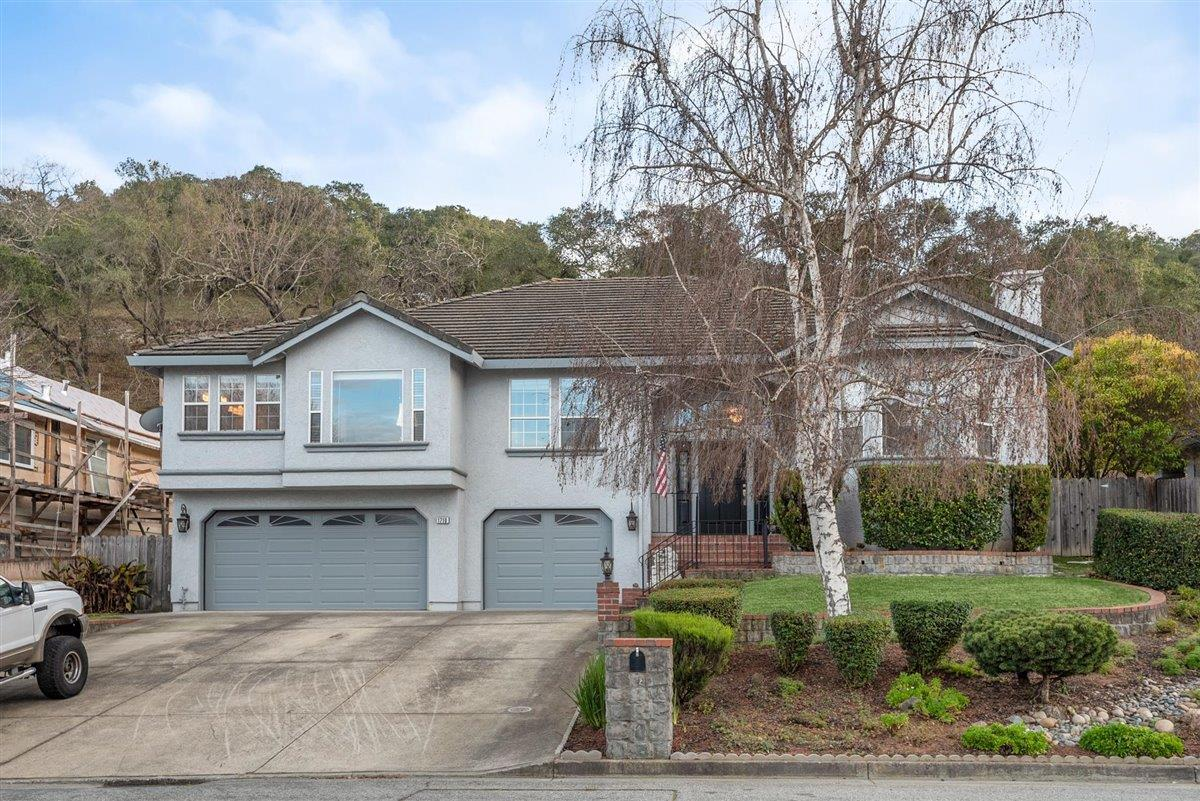 Detail Gallery Image 1 of 48 For 1710 Mantelli Dr, Gilroy,  CA 95020 - 4 Beds | 2/1 Baths