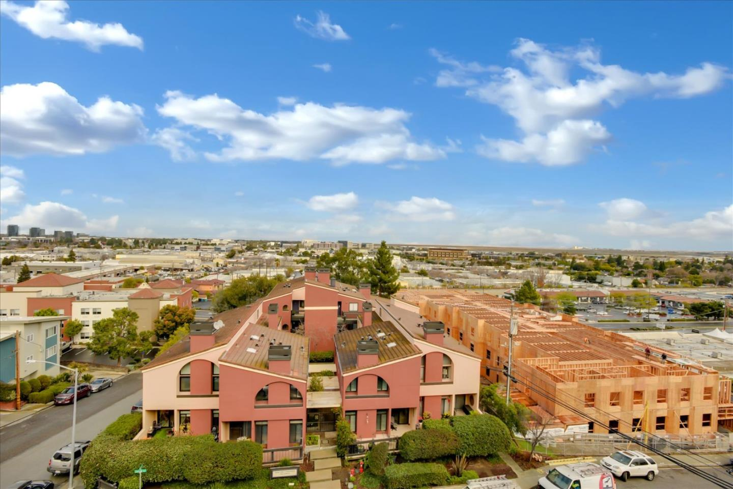 Detail Gallery Image 1 of 42 For 1 Elm St #401,  San Carlos,  CA 94070 - 2 Beds | 2 Baths
