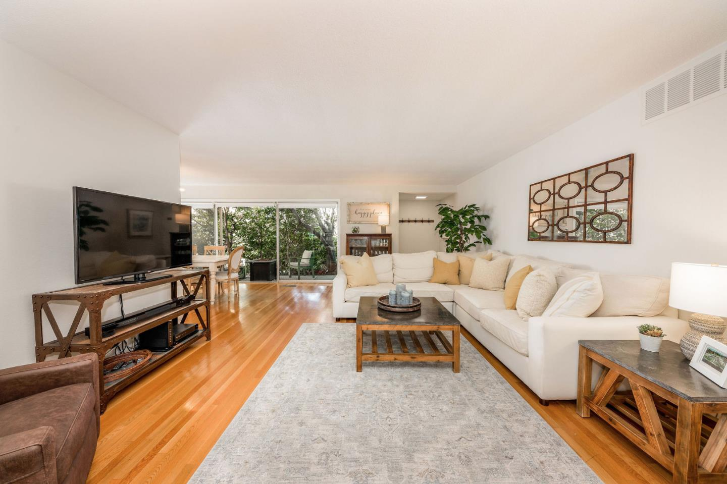 Detail Gallery Image 1 of 24 For 772 University Ave, Palo Alto,  CA 94301 - 2 Beds | 2 Baths