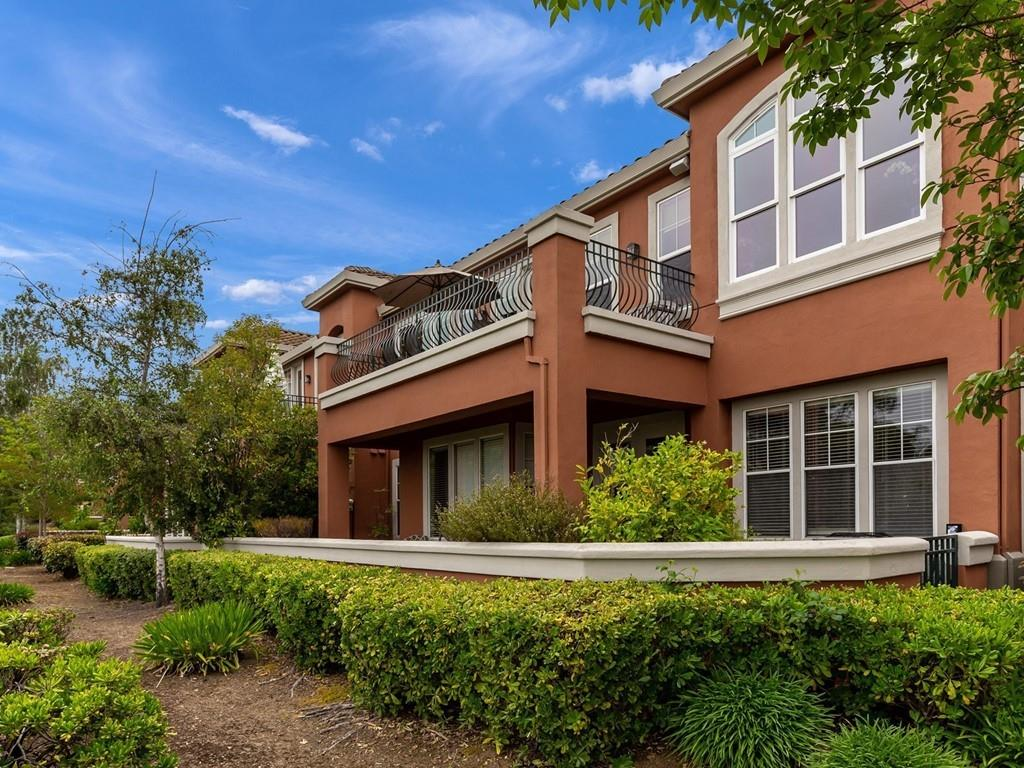 Detail Gallery Image 1 of 1 For 2323 Silver Breeze Ct, San Jose,  CA 95138 - 2 Beds   2 Baths