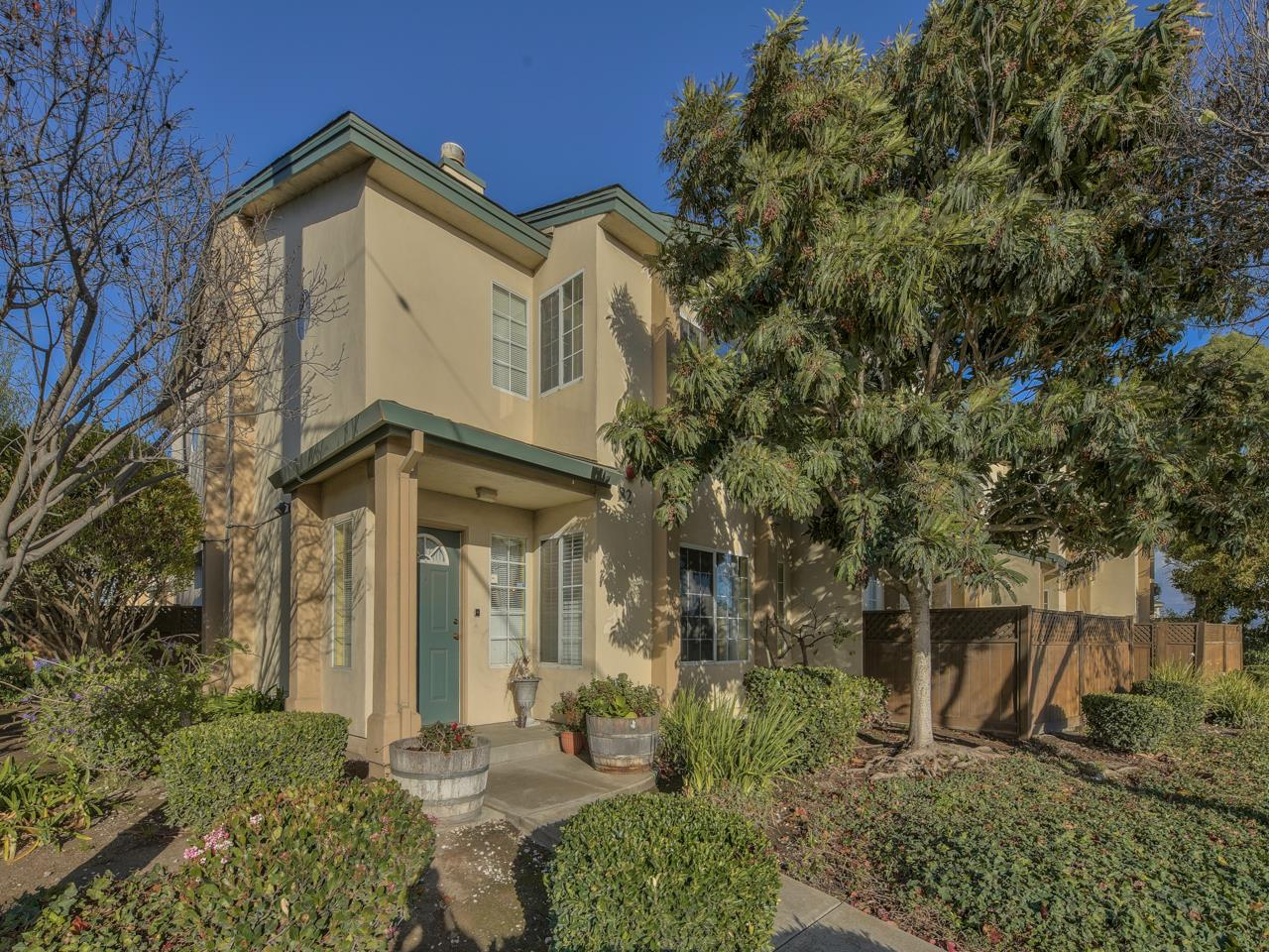 Detail Gallery Image 1 of 1 For 82 W Rossi St, Salinas,  CA 93901 - 3 Beds | 2/1 Baths