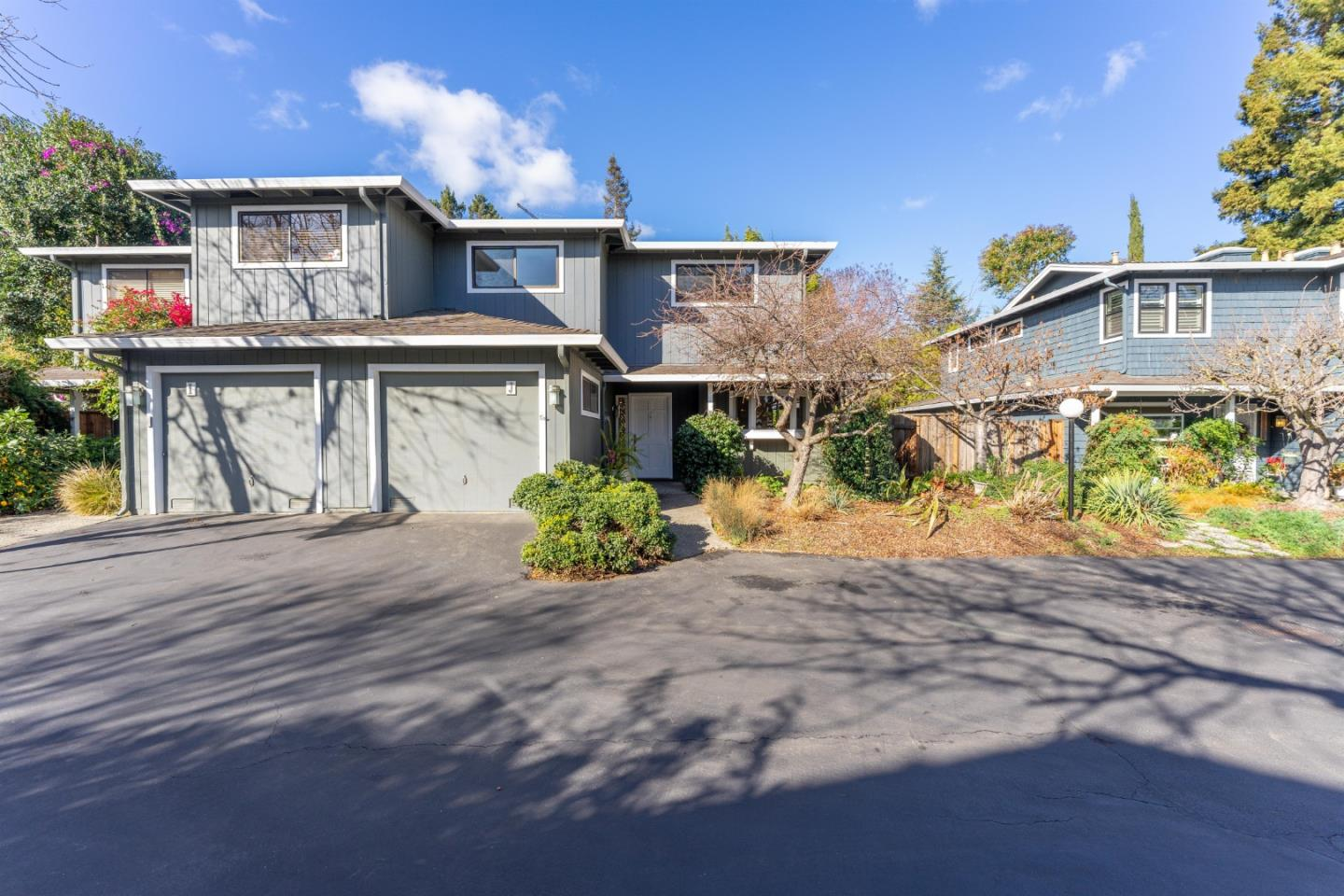 Detail Gallery Image 1 of 1 For 280 Orchard Ave #J,  Mountain View,  CA 94043 - 3 Beds | 2/1 Baths
