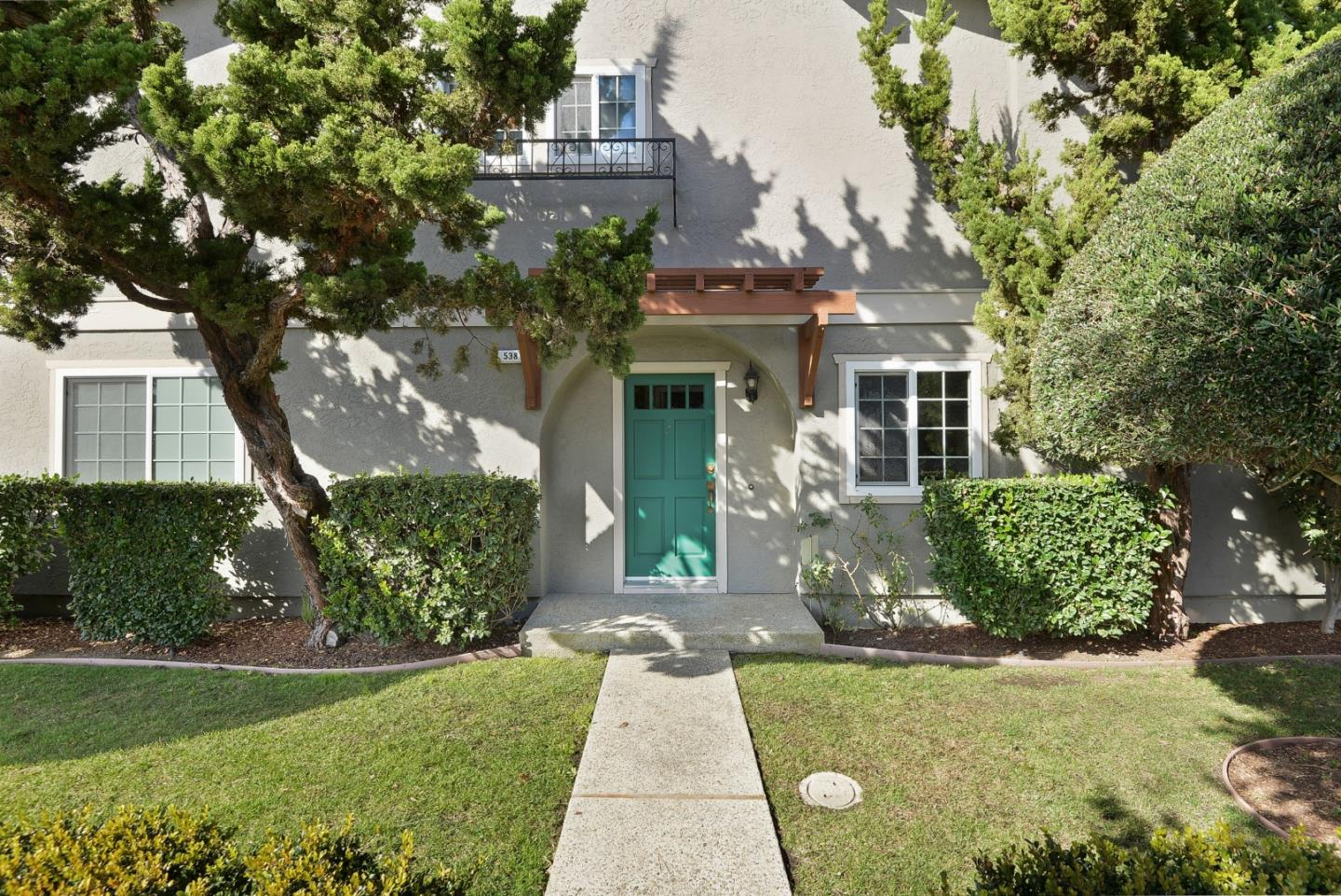 Detail Gallery Image 1 of 1 For 538 Brewster Ave, Redwood City,  CA 94063 - 3 Beds | 2/1 Baths