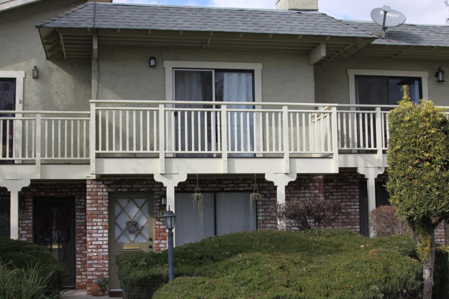 Detail Gallery Image 1 of 1 For 105 Lynbrook Ct #105,  Watsonville,  CA 95076 - 2 Beds | 1/1 Baths