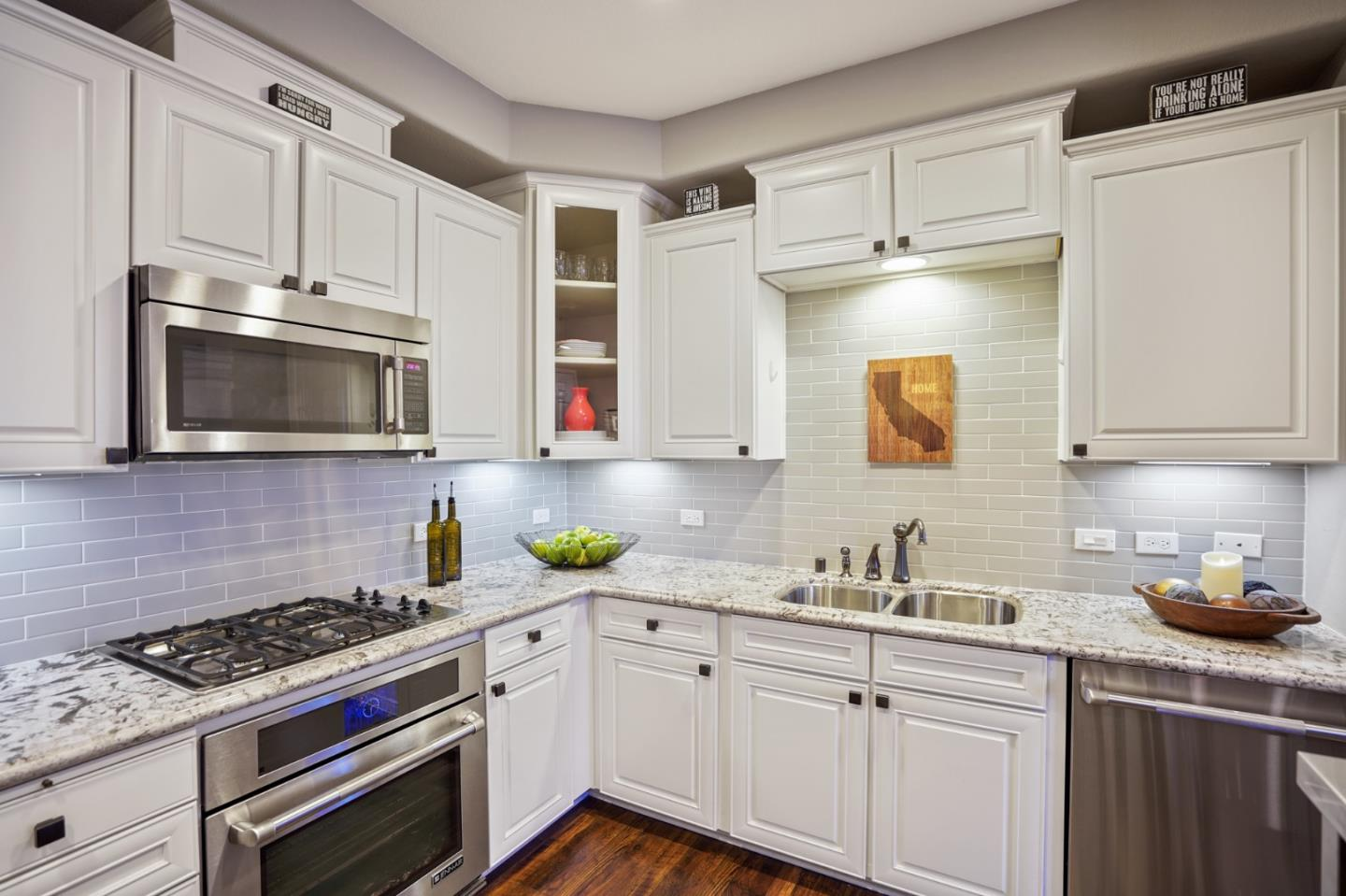 Detail Gallery Image 1 of 53 For 630 Bair Island Rd #110,  Redwood City,  CA 94063 - 2 Beds | 2 Baths