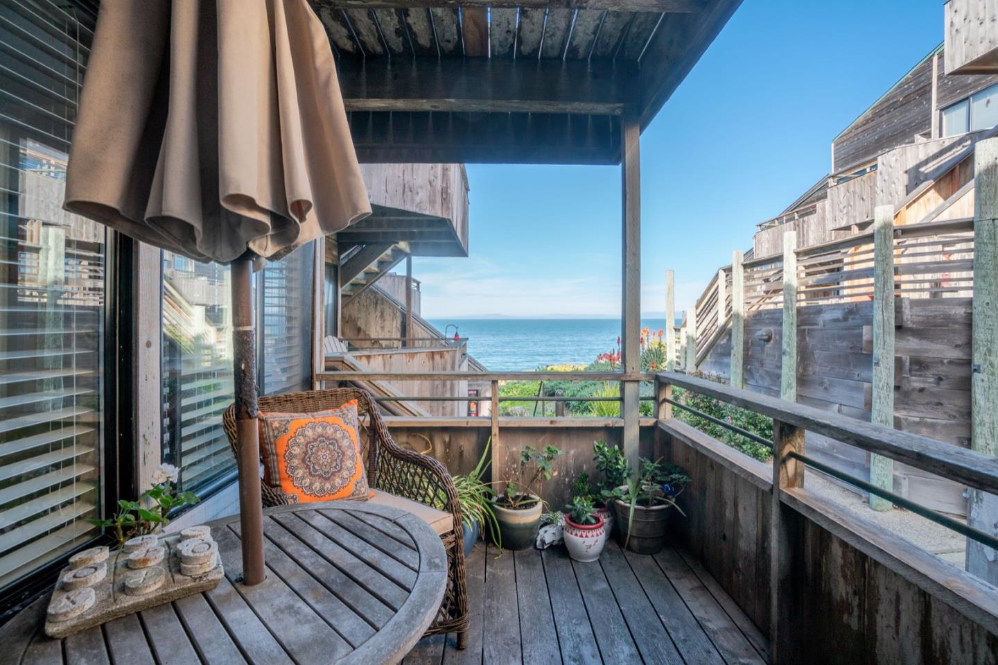 Detail Gallery Image 1 of 1 For 1 Surf Way #130,  Monterey,  CA 93940 - 1 Beds | 1 Baths