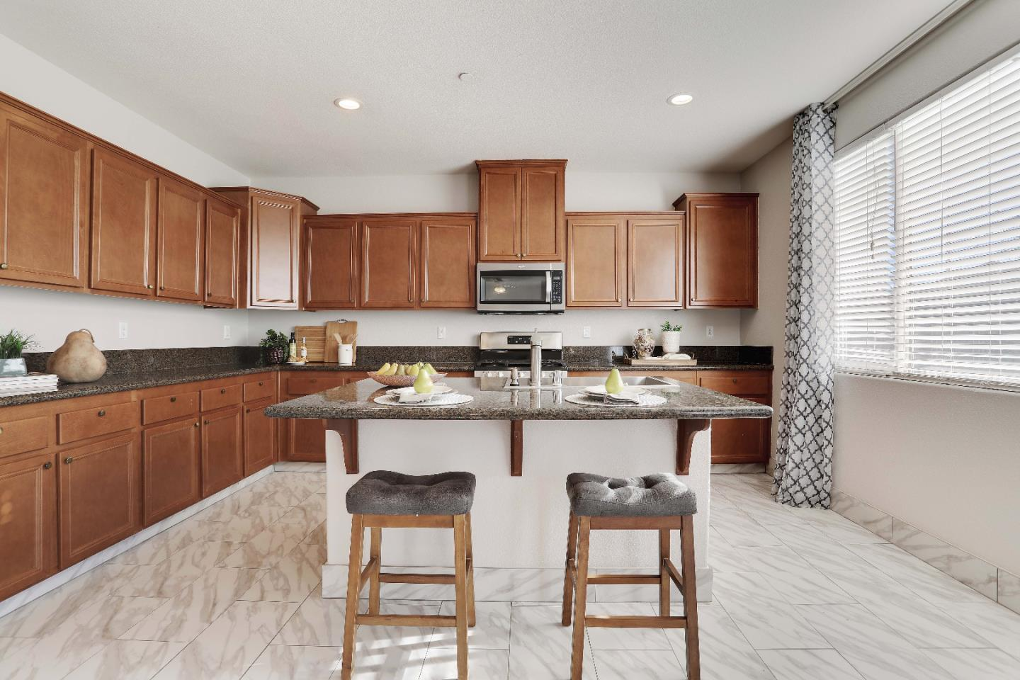 Detail Gallery Image 1 of 1 For 10533 Cherise Way, Stockton,  CA 95209 - 6 Beds   3 Baths