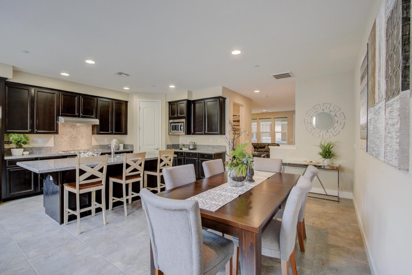 Detail Gallery Image 1 of 30 For 1656 Prime Pl #4,  San Jose,  CA 95124 - 4 Beds | 3/1 Baths