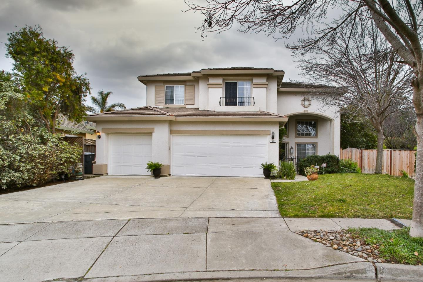 Detail Gallery Image 1 of 1 For 1062 Fitzgerald St, Salinas,  CA 93906 - 4 Beds   3 Baths