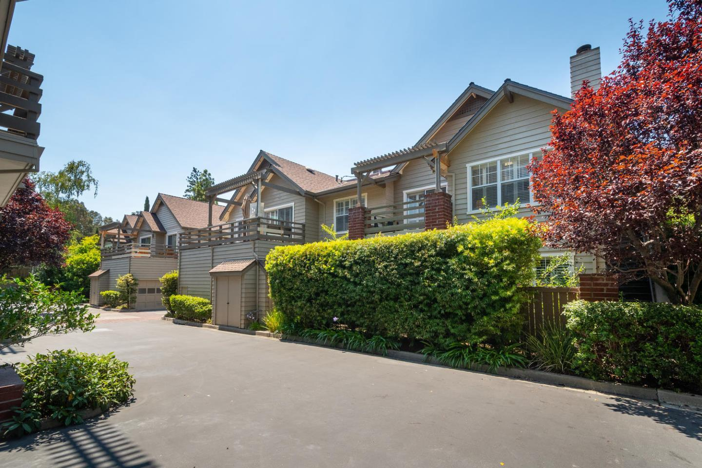 Detail Gallery Image 1 of 21 For 2137 Avy Ave, Menlo Park,  CA 94025 - 3 Beds | 2 Baths