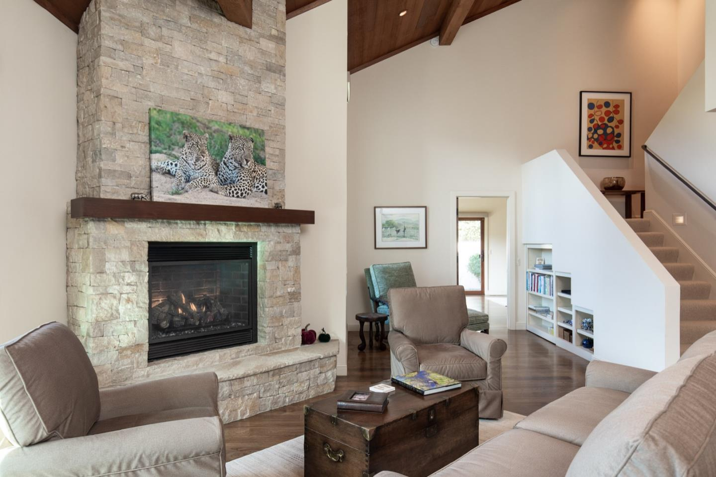 Detail Gallery Image 1 of 29 For 9547 Maple Ct, Carmel,  CA 93923 - 3 Beds | 3/1 Baths