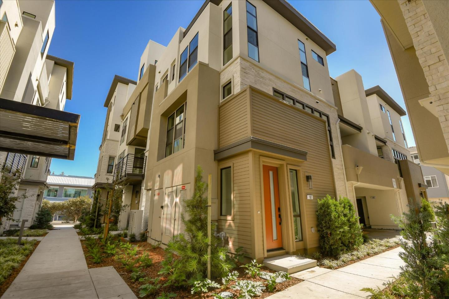 Detail Gallery Image 1 of 11 For 3370 Eichers Pl #105,  Santa Clara,  CA 95051 - 4 Beds | 3/2 Baths