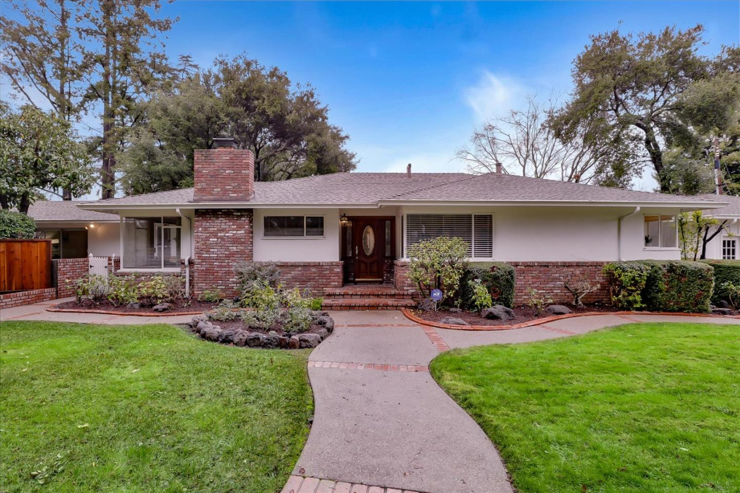 Detail Gallery Image 1 of 64 For 1385 Fremont Ave, Los Altos,  CA 94024 - 5 Beds | 2/1 Baths