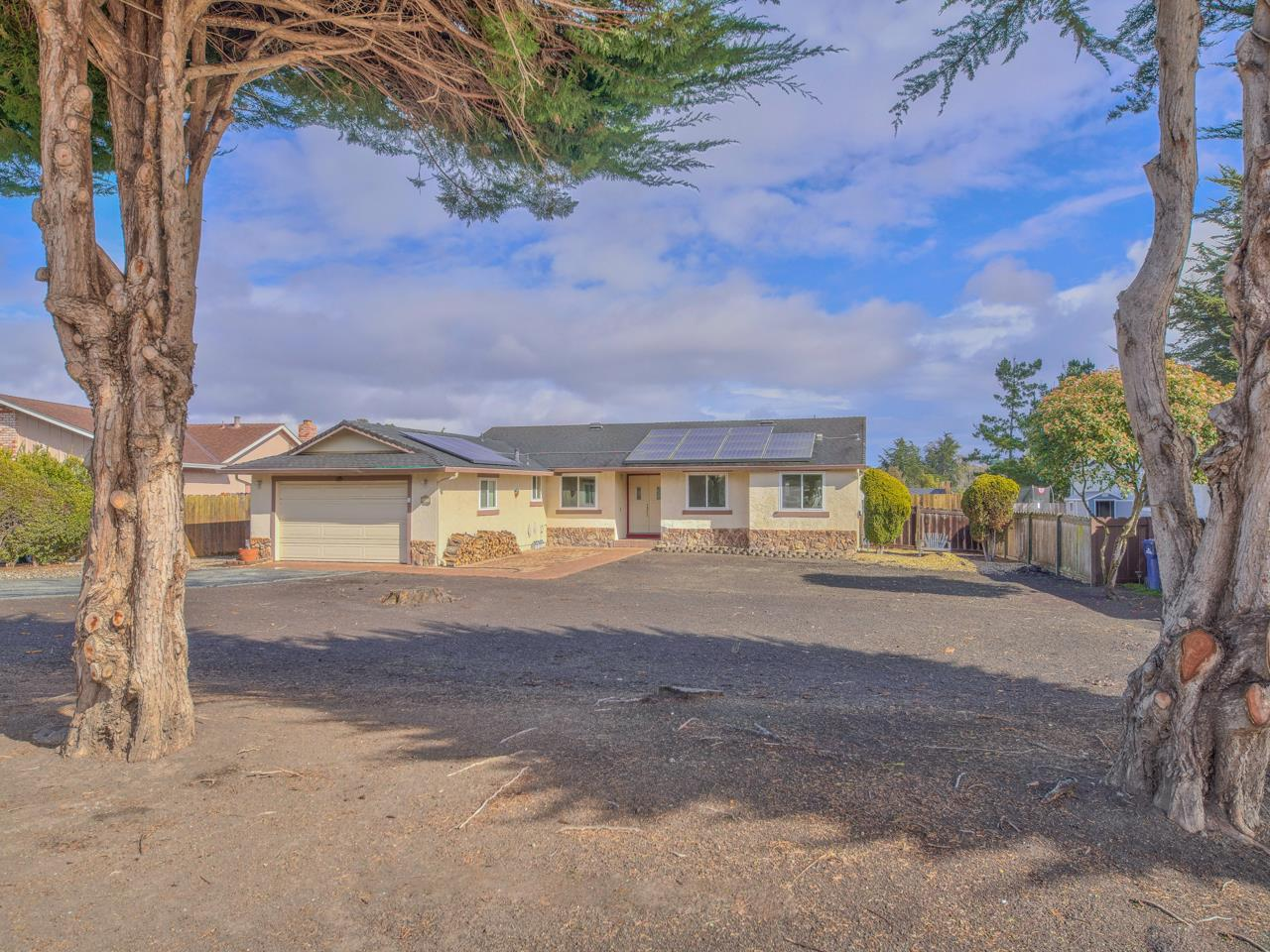 Detail Gallery Image 1 of 1 For 9851 Brookgrass Pl, Salinas,  CA 93907 - 4 Beds   2/1 Baths