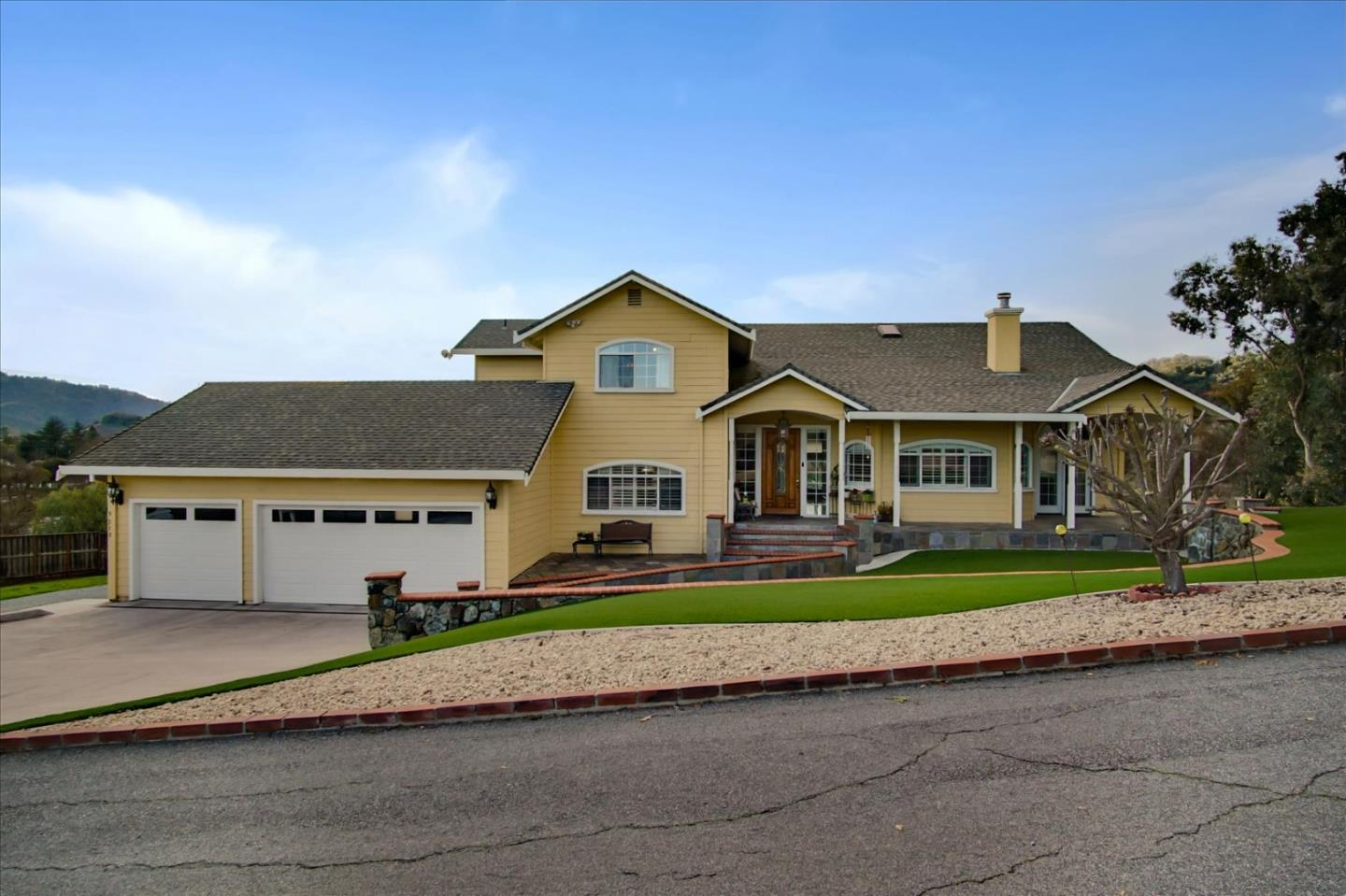 Detail Gallery Image 1 of 1 For 9210 Burchell Rd, Gilroy,  CA 95020 - 4 Beds   4 Baths