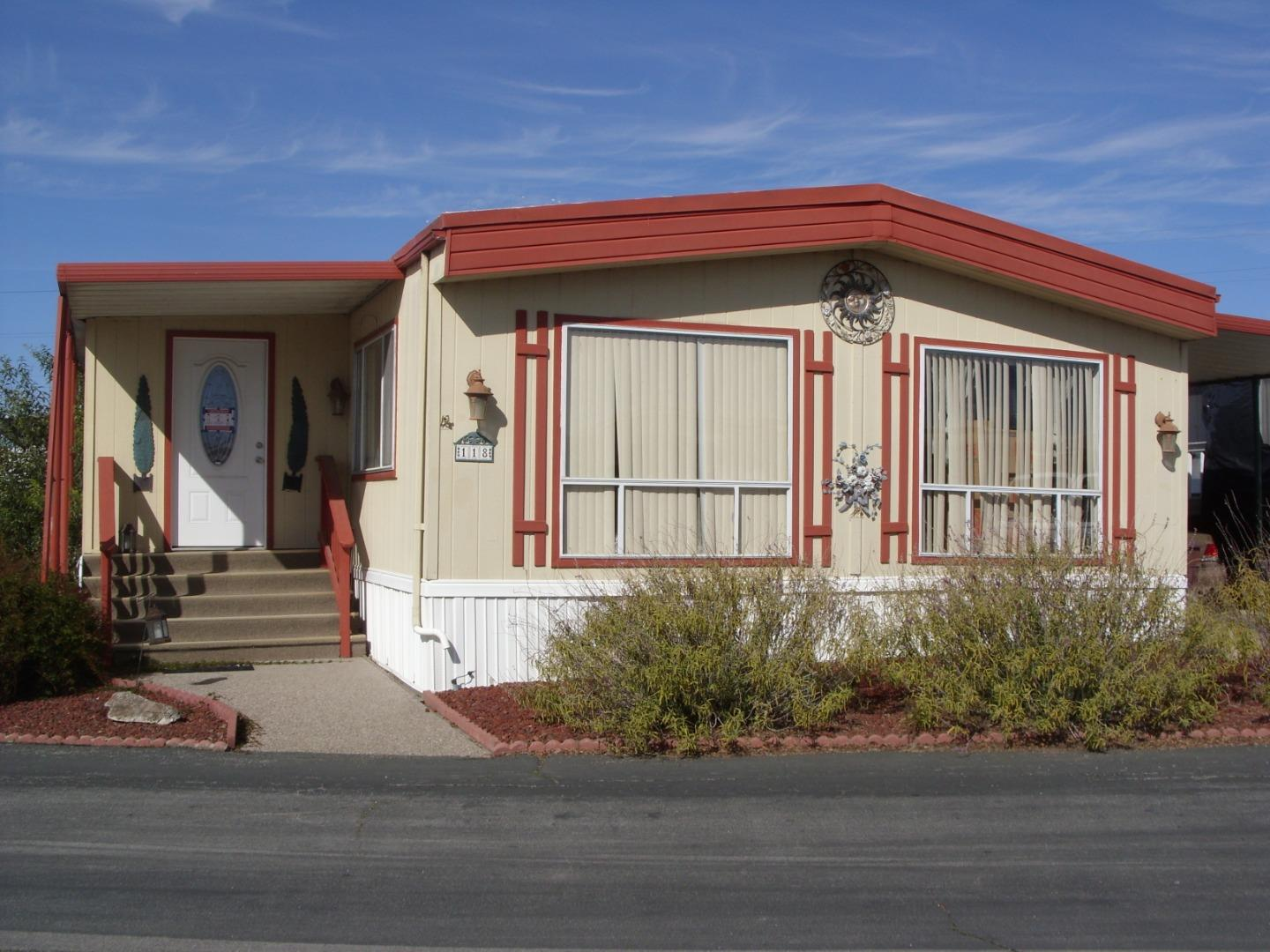 Detail Gallery Image 1 of 22 For 150 Kernt St #118,  Salinas,  CA 93905 - 2 Beds | 2 Baths
