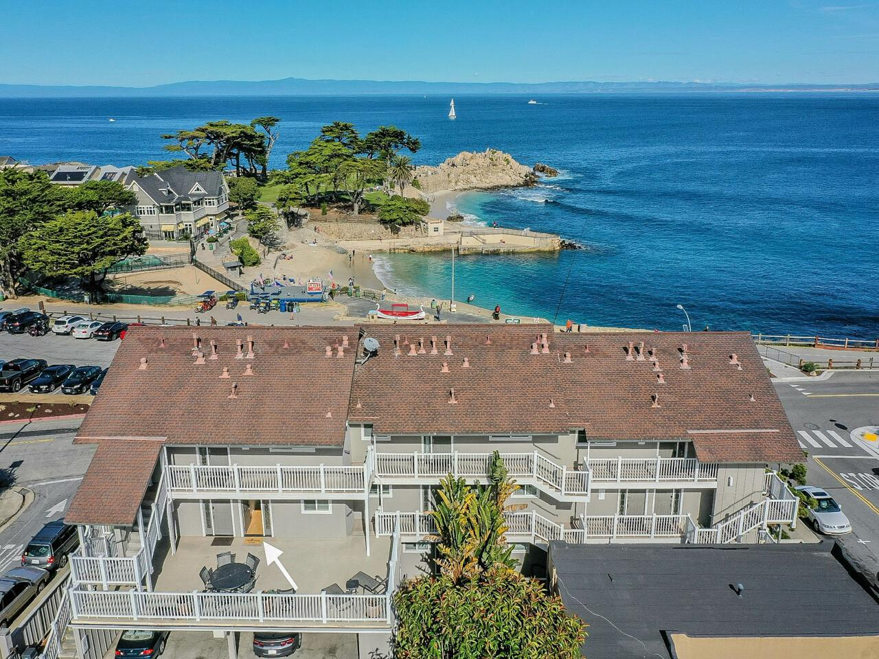Detail Gallery Image 1 of 1 For 585 Ocean View Blvd #2,  Pacific Grove,  CA 93950 - 2 Beds   1/1 Baths