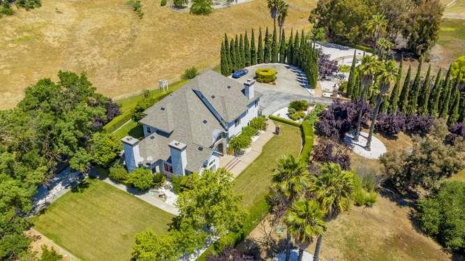 Detail Gallery Image 1 of 1 For 9515 Sugar Babe Dr, Gilroy,  CA 95020 - 4 Beds | 3/1 Baths