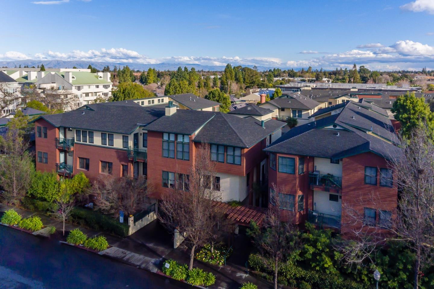 Detail Gallery Image 1 of 1 For 435 Sheridan Ave #108,  Palo Alto,  CA 94306 - 2 Beds   2 Baths