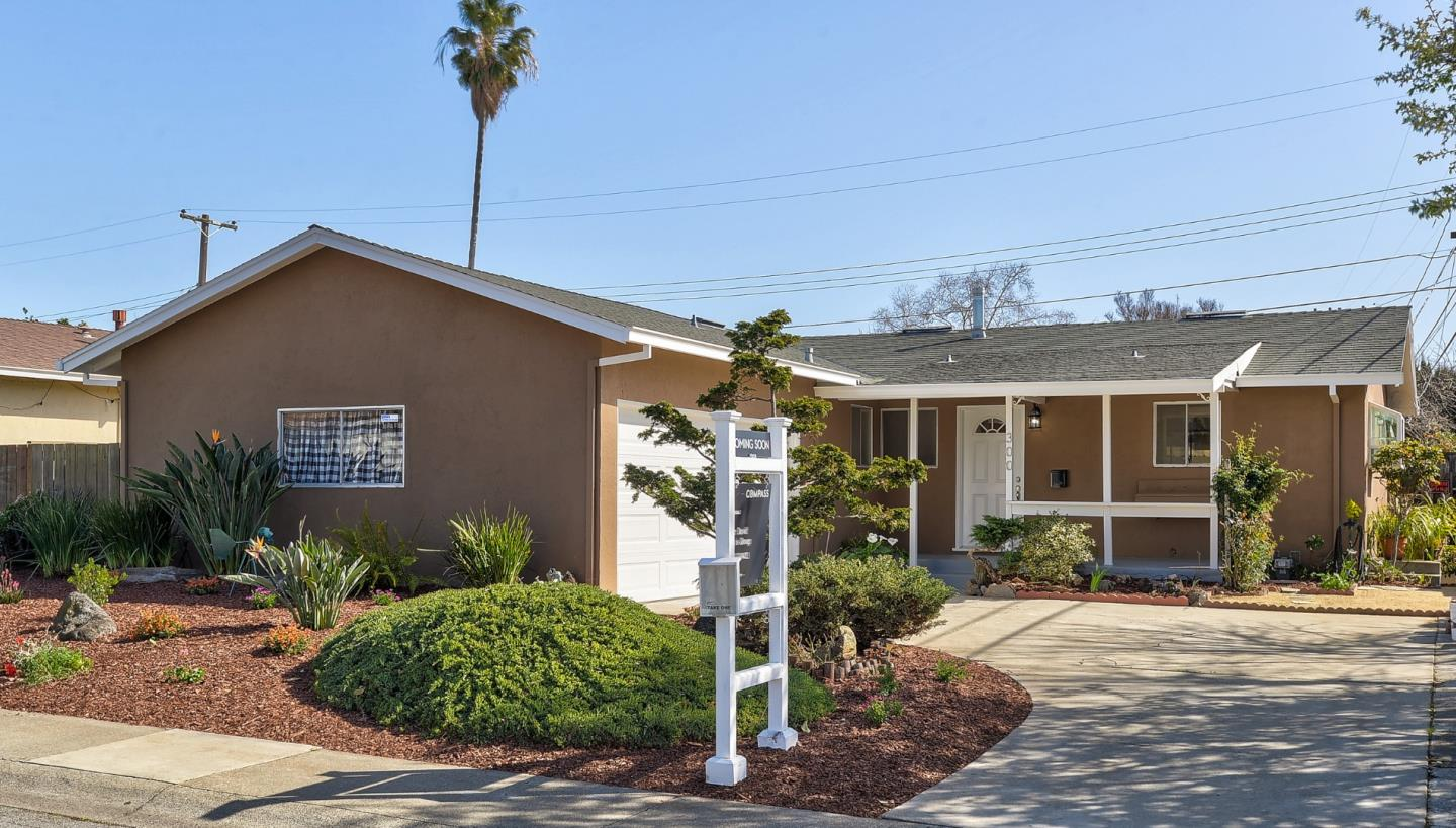 Detail Gallery Image 1 of 1 For 300 Hazen St, Milpitas,  CA 95035 - 3 Beds   2 Baths