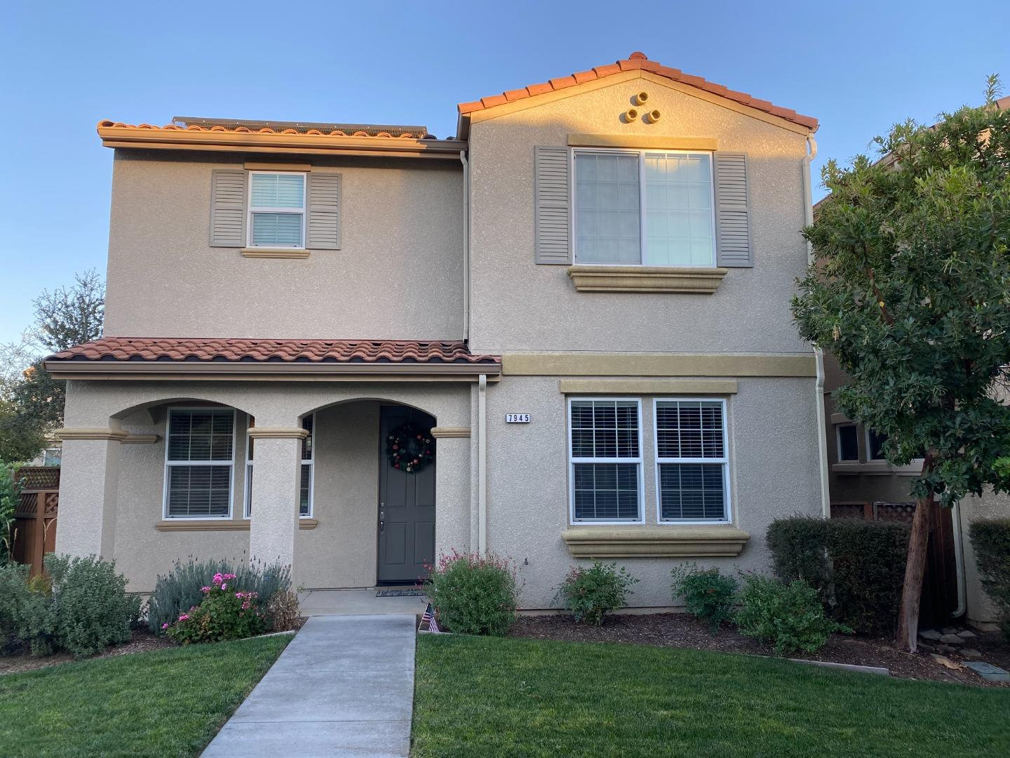 Detail Gallery Image 1 of 1 For 7945 Spanish Oak Cir, Gilroy,  CA 95020 - 3 Beds | 2/1 Baths