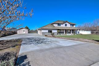 Detail Gallery Image 1 of 1 For 1881 Santa Ana Ct, Hollister,  CA 95023 - 4 Beds   3/1 Baths