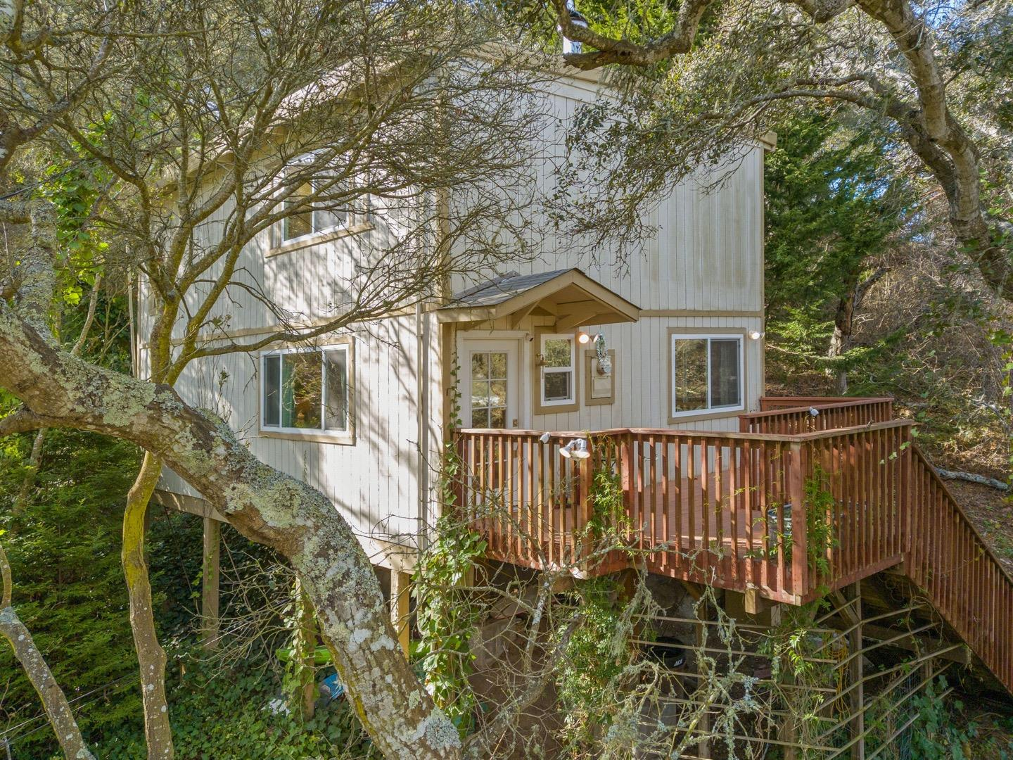 Detail Gallery Image 1 of 30 For 846 Encino Dr, Aptos,  CA 95003 - 3 Beds | 2 Baths