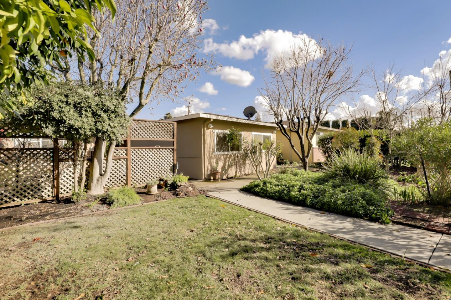 Detail Gallery Image 1 of 1 For 7232 Carmel St, Gilroy,  CA 95020 - 4 Beds | 2 Baths