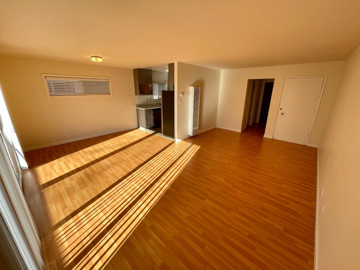 Detail Gallery Image 1 of 1 For 710 N Claremont St #4,  San Mateo,  CA 94401 - 1 Beds | 1 Baths