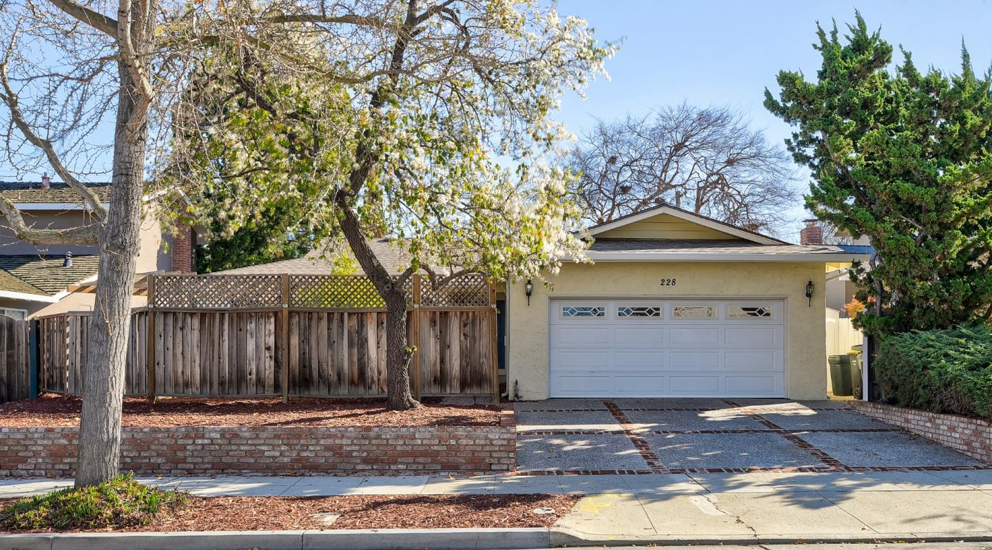 Detail Gallery Image 1 of 1 For 228 Corral Ave, Sunnyvale,  CA 94086 - 4 Beds   2 Baths