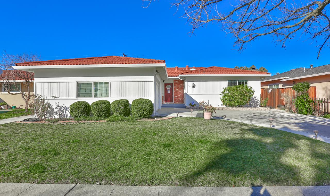Detail Gallery Image 1 of 36 For 7077 Phyllis Ave, San Jose,  CA 95129 - 3 Beds | 2 Baths