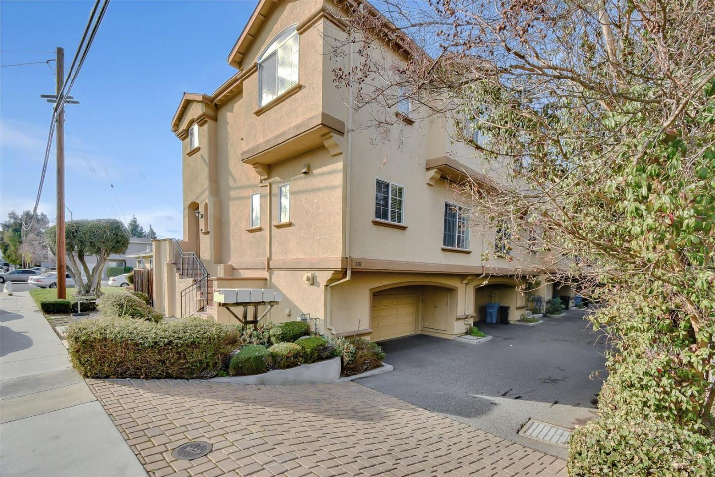Detail Gallery Image 1 of 1 For 2385 Homestead Rd, Santa Clara,  CA 95050 - 3 Beds | 2/1 Baths